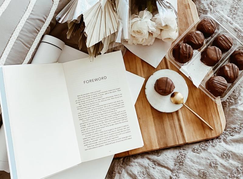 prezent na 8 marca Dzień Kobiet ksiązka - wysyłka