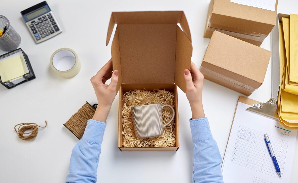 pakowanie delikatnych przedmiotów